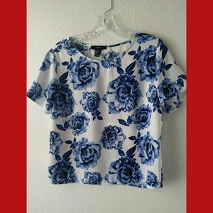 Forever 21 Blue Floral SS Top Sz Small